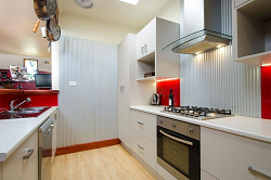 house-for-sale-25-challis-street-newport-kitchen