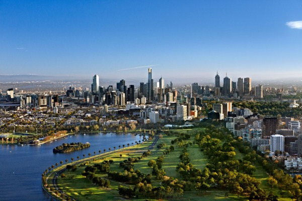 albert-park-lake-melbourne