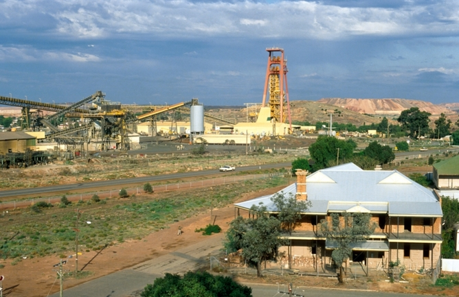 mining community australia