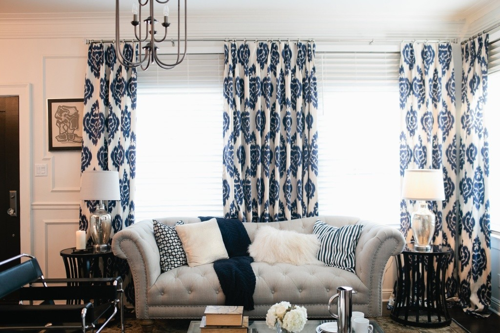 navy blue accent in interior design